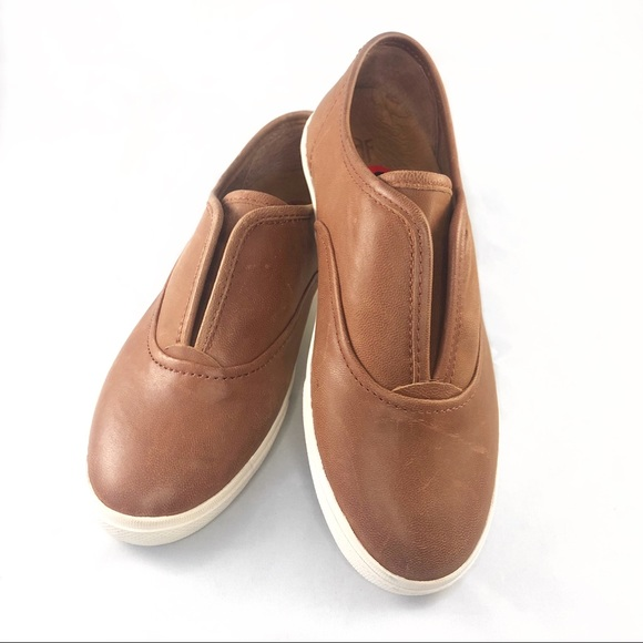 Frye Shoes - Frye Mindy Slip-On Cognac brown Shoes Size 6 O163